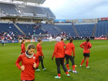 The USWNT trains at Toyota Park in Bridgeview, Ill. on Oct. 19, 2012. Photo by U.S. Soccer.