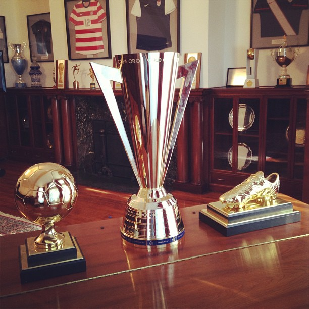 US Soccers Trophy Haul From The 2013 Gold Cup L To R Landon Donovans Tournament MVP Championship Golden Boot Shared By Co Leading Scorers